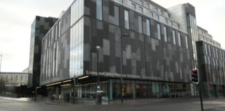 Redmonds Building by Andrew Farquhar